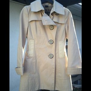 Mackage short trench coat. Size XS